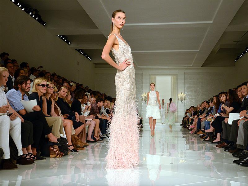 karlie-kloss-weds-josh-kushner-in-a-dior-dress