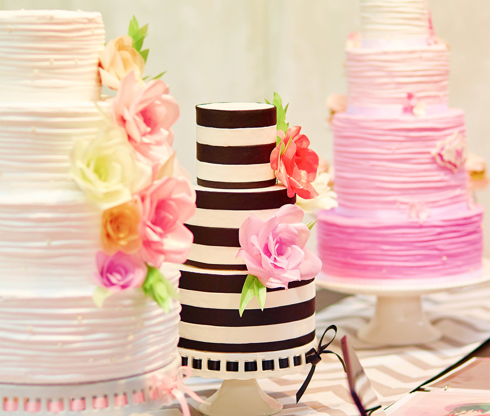 How To Save Money On Your Wedding Cake - Celebrity Style Weddings